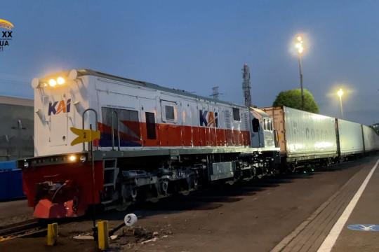 KA logistik dari Surabaya ke  Jakarta untuk urai kemacetanjalan raya