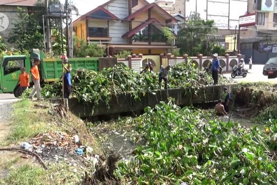 Pemko Banjarmasin libatkan seluruh SKPD bersihkan Sungai Veteran