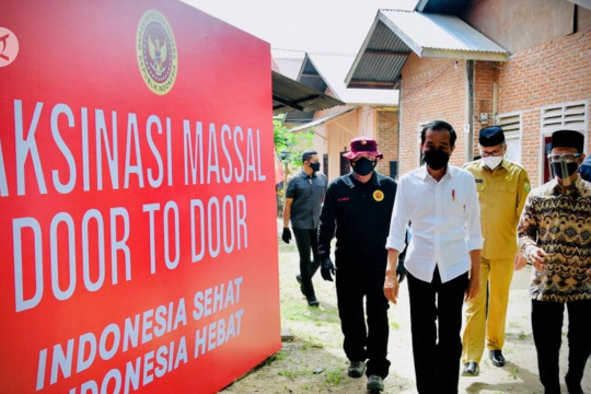 Presiden tinjau vaksinasi dari rumah ke rumah di Aceh