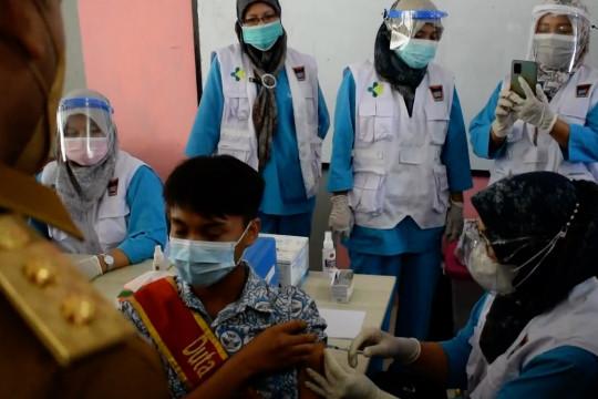 Gebyar vaksinasi pelajar SMA sederajat di Sumbar