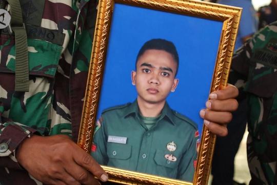 Jenazah prajurit TNI yang gugur di Papua tiba di Kalbar