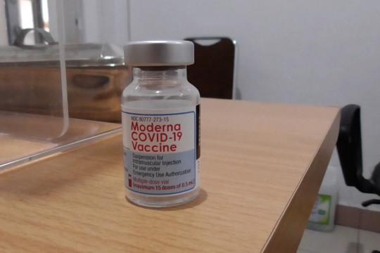 Nakes di Palangka Raya terima vaksin dosis ketiga