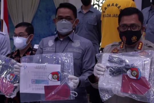 Palsukan sertifikat vaksin, 4 mantan relawan vaksinasi diringkus polisi