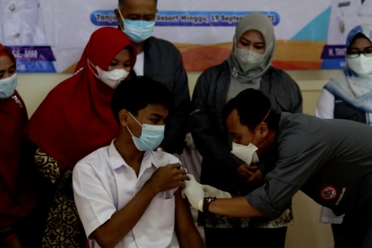 Pemulihan pariwisata, IDI Pandeglang gelar vaksinasi di objek wisata