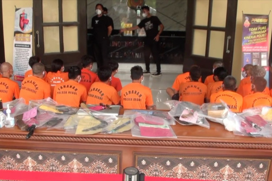 Polisi ringkus 31 bandit jalanan saat PPKM level 3 di Bandung
