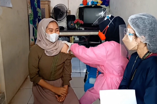 Kejar target vaksinasi, BIN Banten terjun ke sekolah & perkampungan