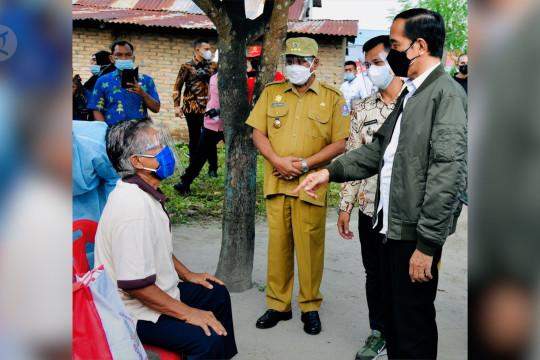 Presiden tinjau vaksinasi dari rumah ke rumah di Deli Serdang