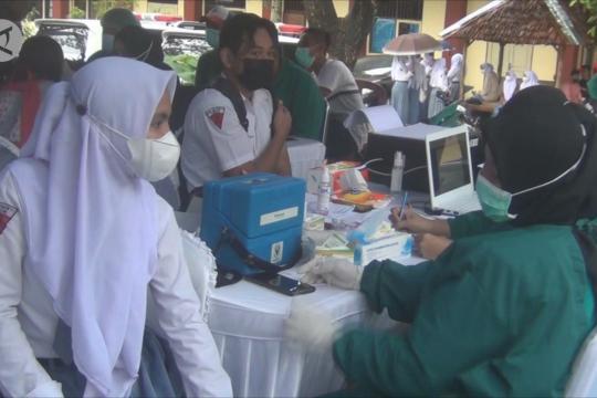 Presiden saksikan vaksinasi pelajar di Ambon oleh BIN