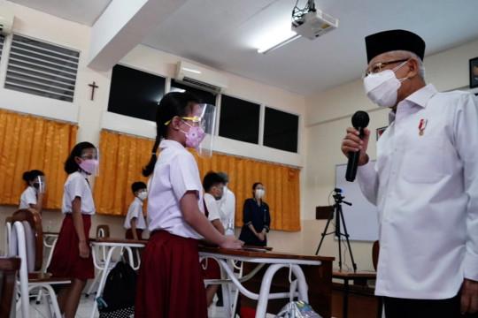 Wapres dan Gubernur DKI tinjau PTM di sejumlah sekolah