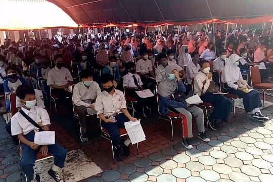 Persiapan PTM, Pemkot Tangerang gelar sentra vaksinasi pelajar
