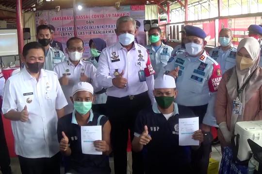 Ribuan warga binaan lapasBanjarmasin antusias ikuti vaksinasi