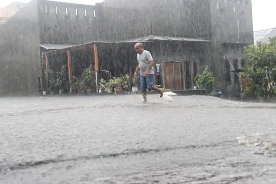 Hujan deras sebabkan banjir di Ternate