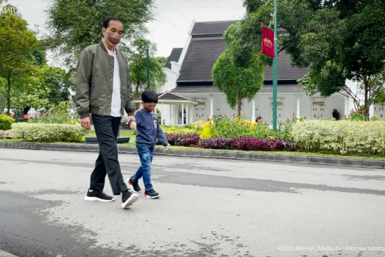 Kala Jokowi berakhir pekan bersama Jan Ethes