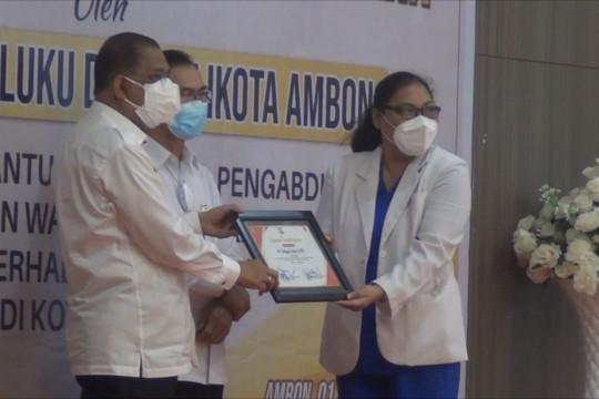 Masuk zona kuning, Pemkot Ambon beri penghargaan ke nakes