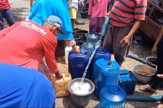 PDAM distribusikan bantuan air bersih di Klaten