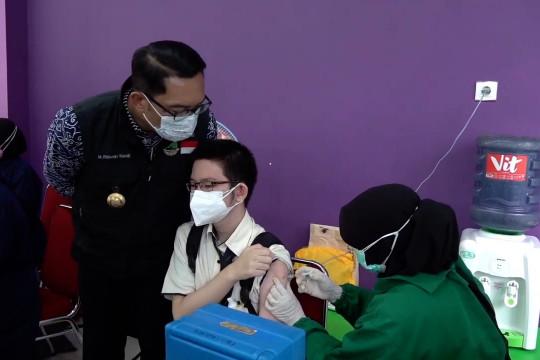 Ridwan Kamil ingatkan batasan sebelum target vaksinasi tercapai