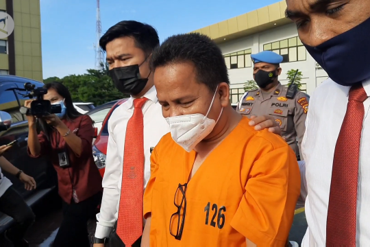 Diduga korupsi alat rapid antigen, Kadiskes Meranti ditahan