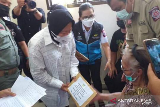 Korban bencana banjir di Minahasa Tenggara terima santuan dari Mensos