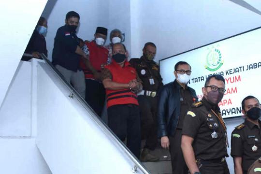 Bupati Indramayu hormati penangkapan Kadis dan Kabid oleh Kejati Jabar