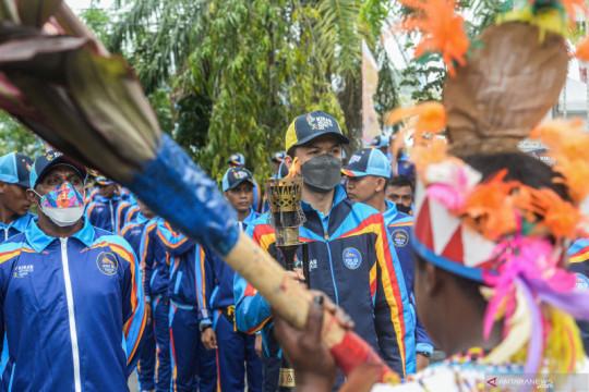 Tiga atlet legendaris antar api PON Papua ke kota Jayapura