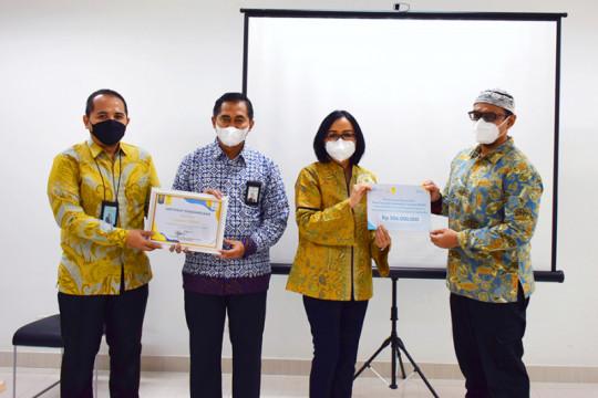 Laznas BSMU donasikan Rp106 juta untuk vaksinasi di kampus UI