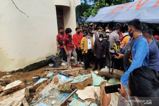 Menteri Sosial sambangi daerah terdampak bencana di Padang Pariaman