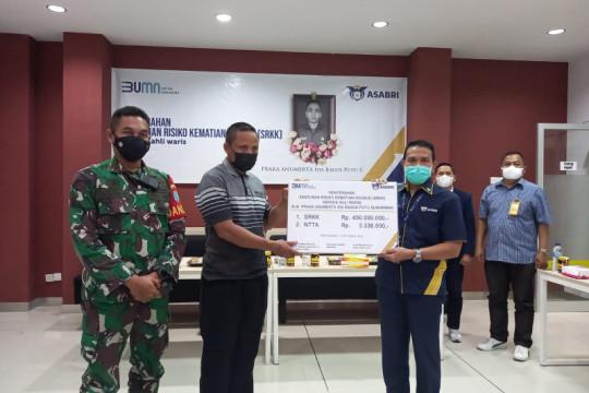 Asabri serahkan santunan dua anggota TNI yang gugur di Kiwirok Papua