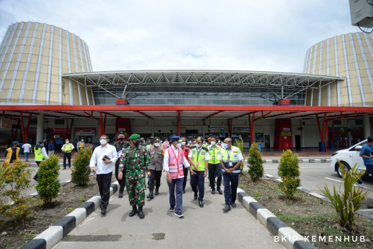 Menhub tinjau terminal baru Bandara Mopah jelang diresmikan Presiden