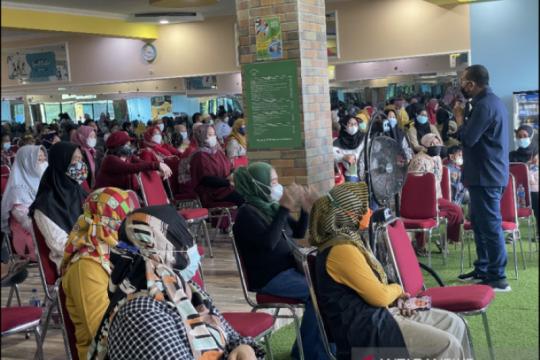 Kementerian BUMN ajak ibu-ibu Tanah Abang bergabung ke Program Mekaar