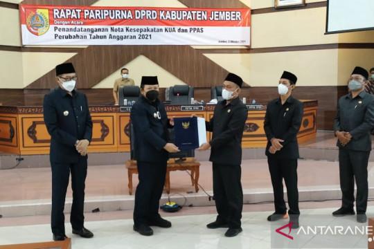 Penandatanganan KUA PPAS Perubahan APBD Jember diwarnai interupsi