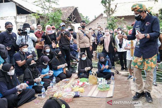 Sandiaga sebut produk emping Desa Cikolelet miliki daya saing tinggi