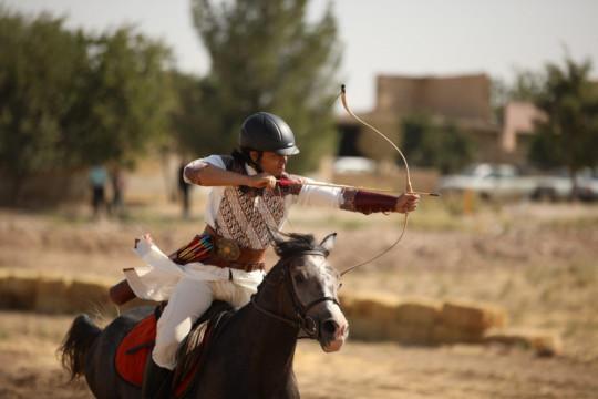 Merah Putih berkibar di kejuaraan dunia berkuda sambil memanah di Iran