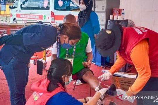 Masker jadi syarat layanan kesehatan posko medis arena Panjat Tebing