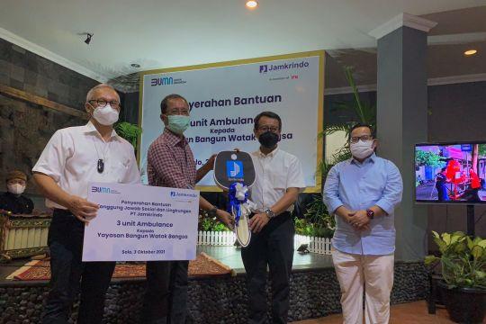 Jamkrindo serahkan bantuan tiga ambulans untuk masyarakat Surakarta