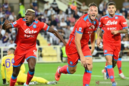 Tekuk Fiorentina 2-1, Napoli pertahankan laju 100 persen