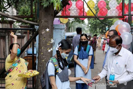 Sekolah tatap muka di Mumbai kembali dibuka