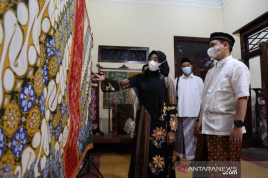 Motif sarung batik Pakem Kaumanan menambah khazanah batik Pekalongan