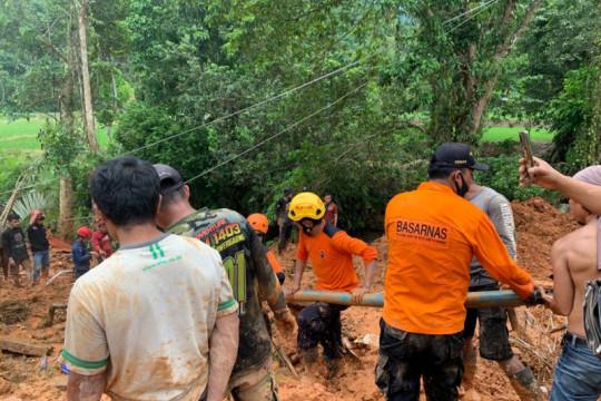 Empat orang meninggal akibat banjir bandang-longsor di Luwu
