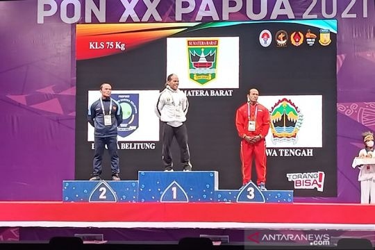 Binaragawan Sumbar Iwan Samuray hattrick medali emas PON