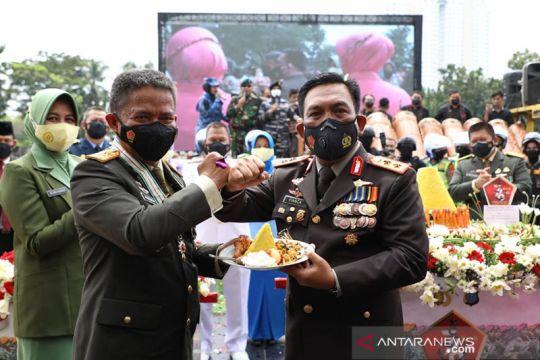 Kepala Polda Sumatera Utara beri kejutan pada HUT ke-76 TNI