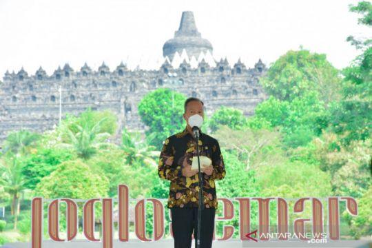 """Hari Batik Nasional, Menperin kampanye """"Asyik Memakai Batik"""""""