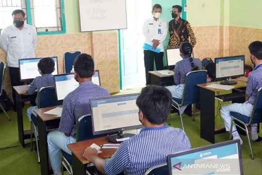 Tim Direktorat SMP tinjau pelaksanaan ANBK di Kota Madiun
