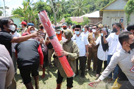 """Risma siapkan delapan titik """"buffer stock"""" untuk penyintas banjir Luwu"""