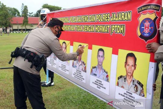 Lima polisi Polda Kalimantan Tengah dipecat dengan tidak hormat