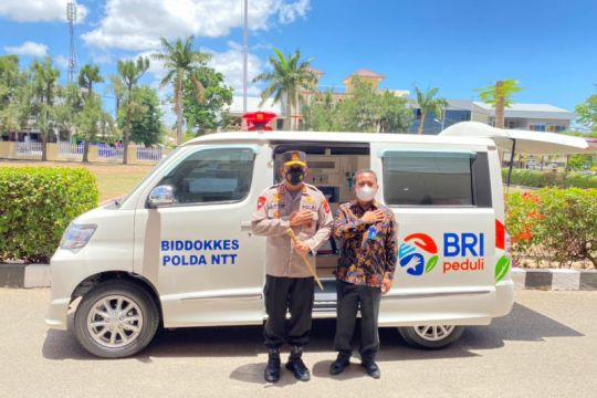 BRI Kupang bantu Polda NTT ambulans untuk layani vaksinasi COVID-19