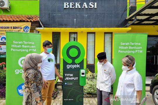Gojek beri bantuan perlengkapan prokes untuk 80 sekolah