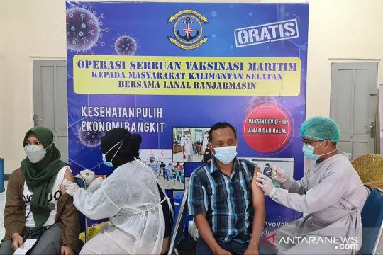 TNI AL bantu turunkan level PPKM di Banjarmasin dengan vaksinasi