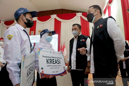 Beasiswa pelajar SMA/SMK di Surabaya diluncurkan 2022