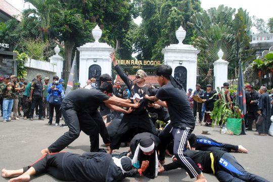 Aksi penolakan bisnis wisata malam di Kebun Raya Bogor