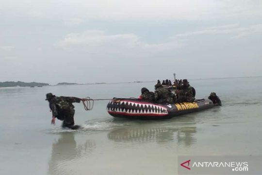Laksamana TNI Yudo Marhono tinjau latihan Taifib Marinir di Belitung